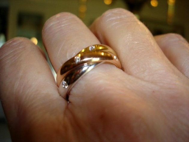 Resultado de imagem para anillo dedo del medio